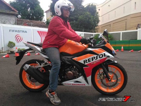 Ergonomi samping All New Honda CBR150R 2016 11 Pertamax7.com