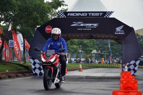 Riding test All New Honda CBR150R 2015 di bandung Daya Adipcita Mustika pertamax7.com