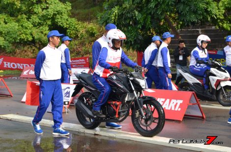 Hari Pertama The 10th Astra Honda Safety Riding Batam Test Braking dan Narrow Plank 9 Pertamax7.com