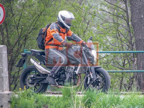 Spied New KTM Duke 890 Twin Inline