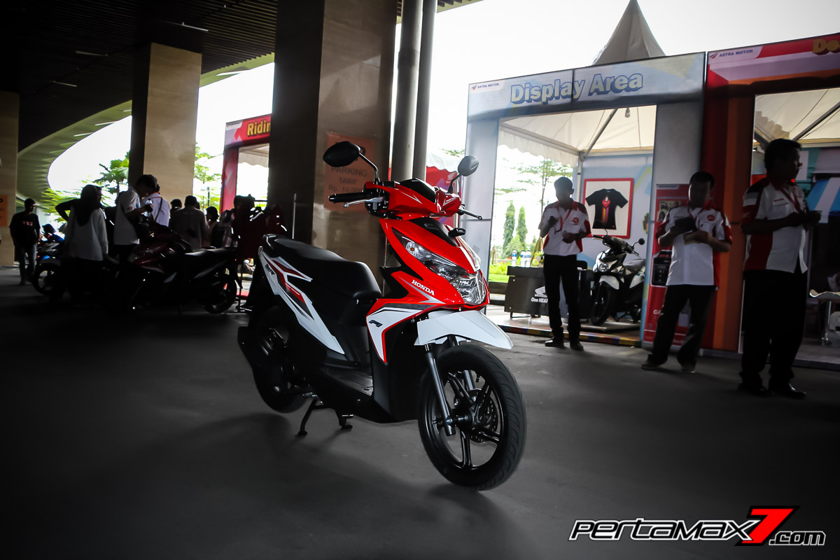 All new Honda BeAT eSP 2016 merah putih