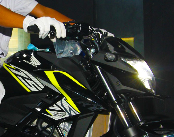 Striping all new honda CB150R Streetfire versi 2016 Wild Black pertamax7.com