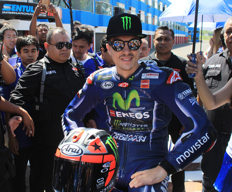 Maverick Vinales saat bersiap riding All New R15 di Sentul International Circuit