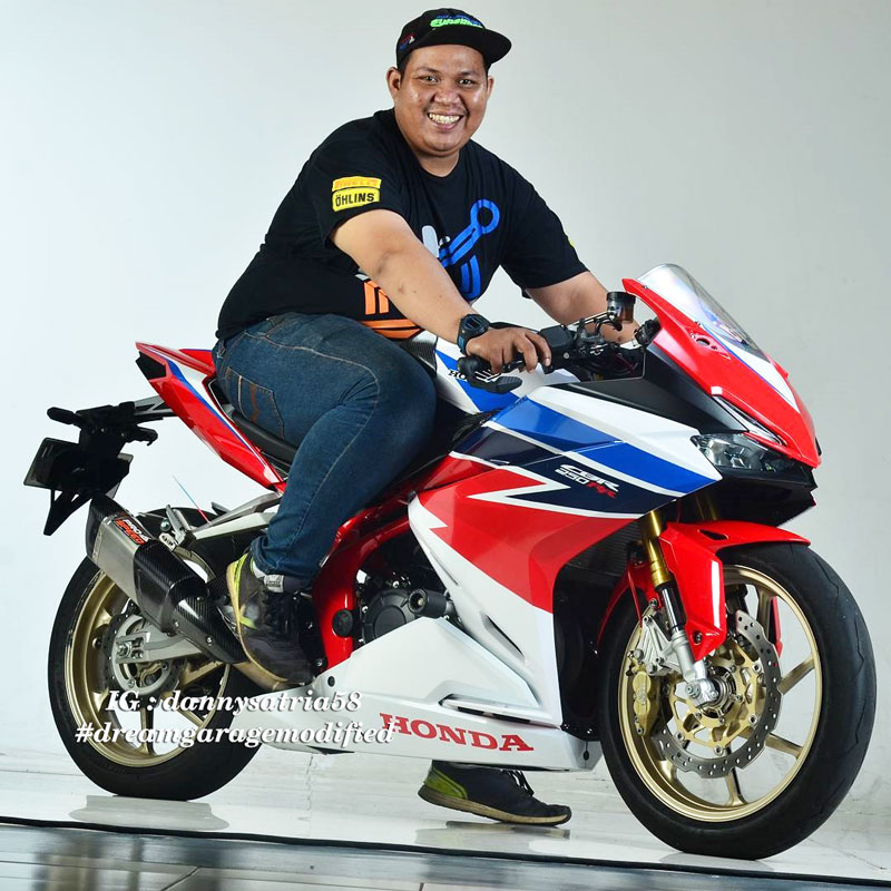 Modifikasi Honda CBR250RR Livery Red White Blue RWB TriColor
