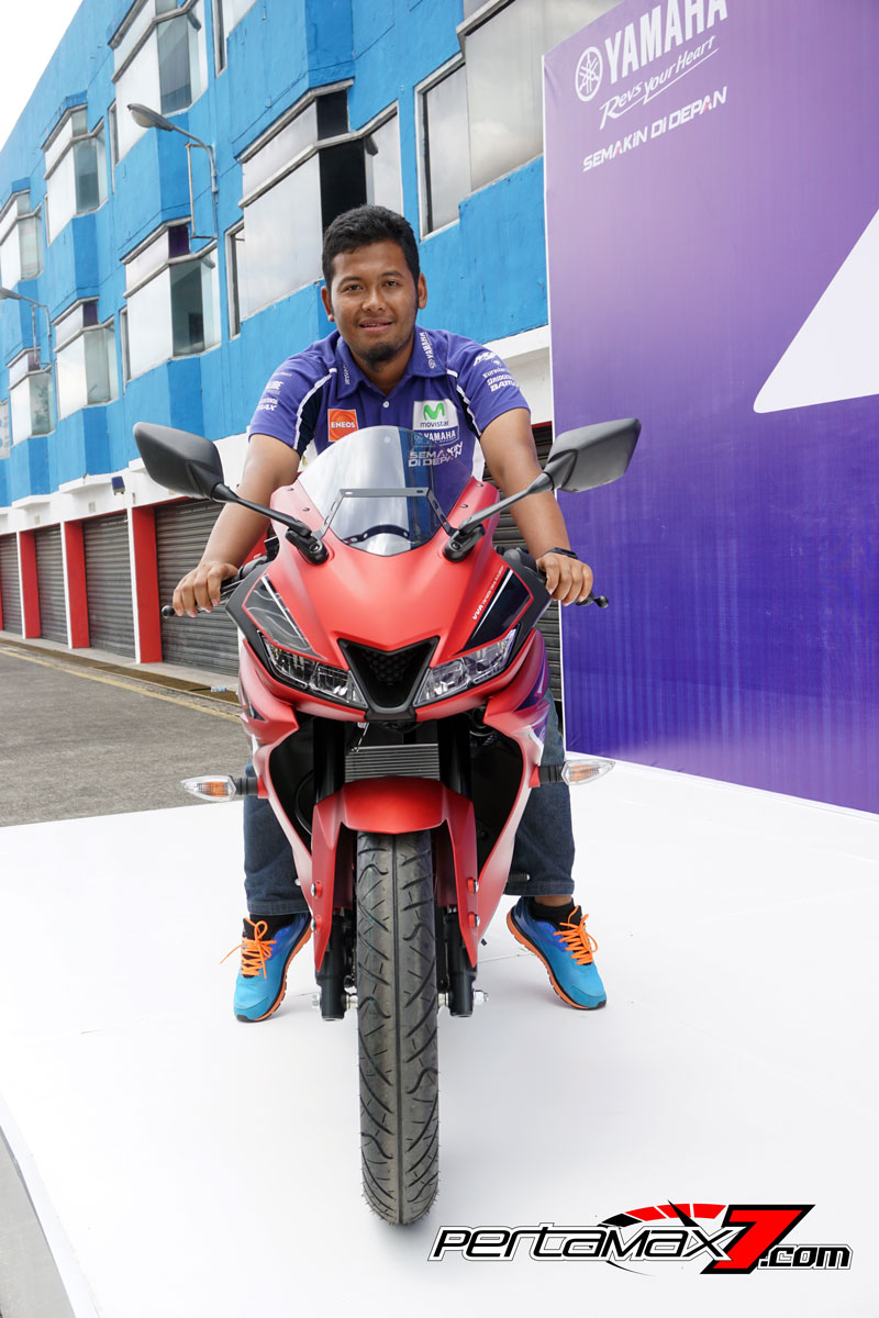 Tampak Depan Yamaha All New R15 Facelift 2017