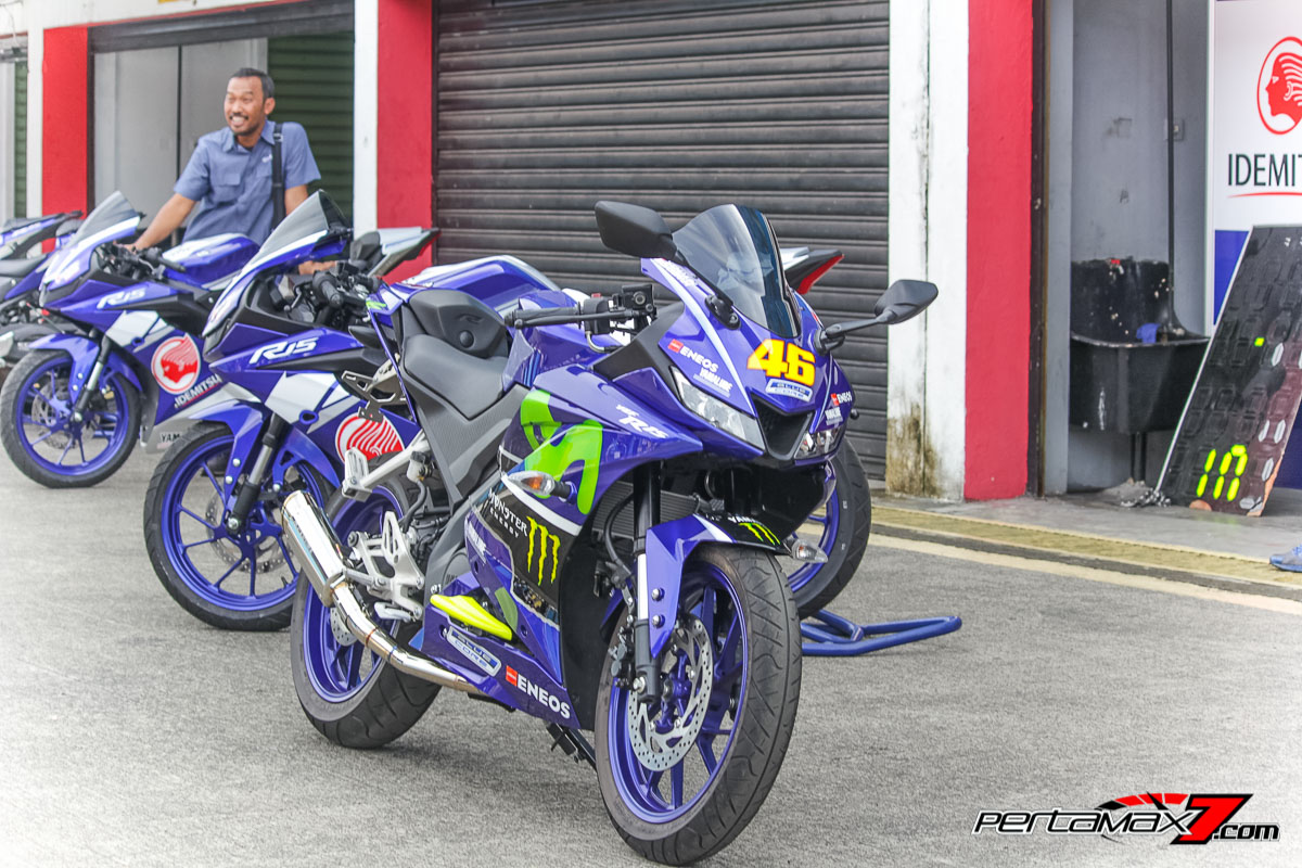 Yamaha All New R15 Livery Movistar MotoGP 2017_-36 - Pertamax7.com