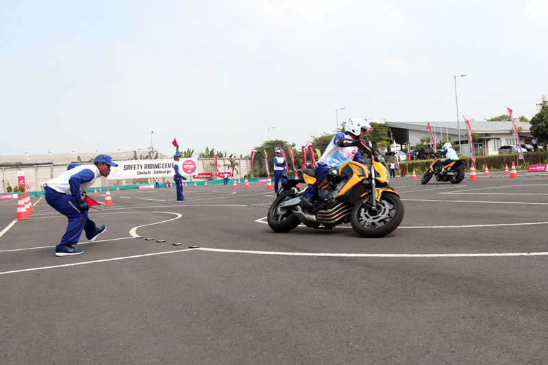 Astra Honda Safety Riding Instructor Competition AHM_5