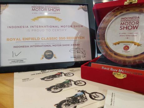 Royal Enfield Classic 350 Redditch as Best Buy Motorcycle at IIMS 2017