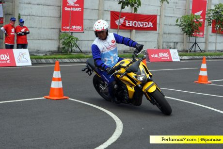 Slalom Test Honda CB650F Astra Honda Safety Riding Competition 2017 11