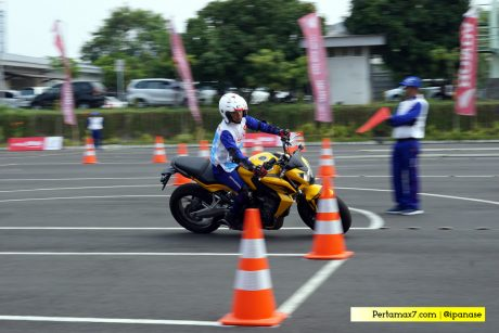 Slalom Test Honda CB650F Astra Honda Safety Riding Competition 2017