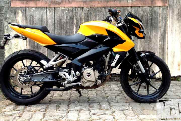 Modifikasi Bajaj Pulsar 200NS kaki Kaki KTM DUKE 200 India 2
