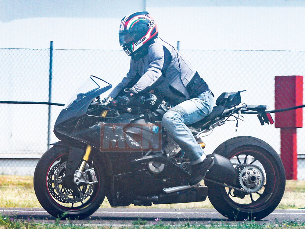 New Superbike Ducati Panigale V4 Engine Test