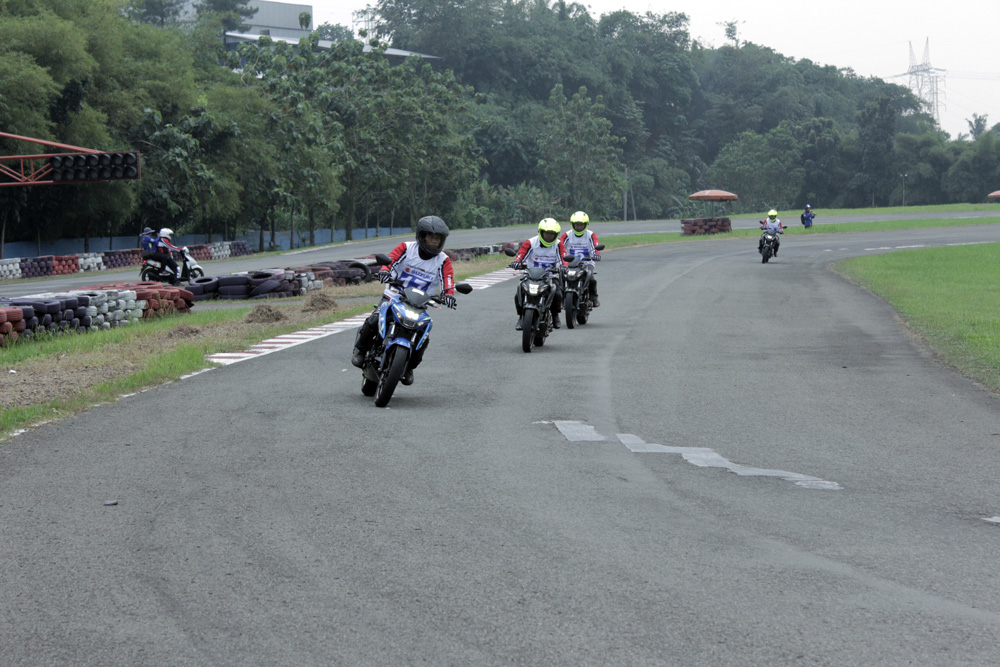 Suasana Safety Riding Training Suzuki GSX-S150