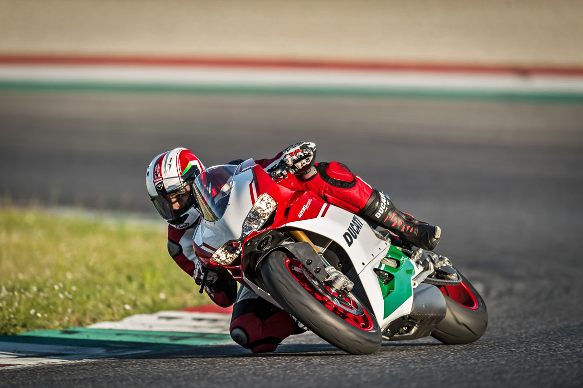 Testride Ducati 1299 Panigale R FINAL EDITION 6 p7