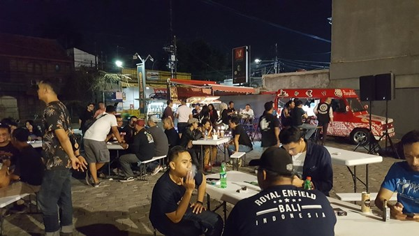 Royal Enfield Gelar Saturday Night Market 02 P7
