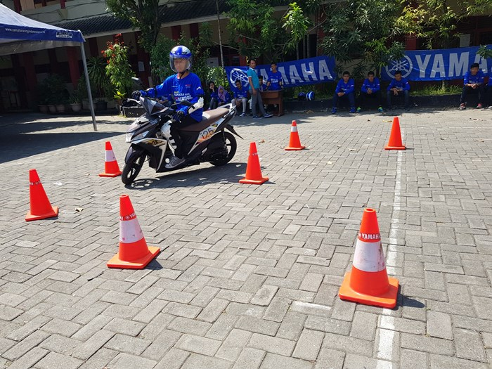 Yamaha Mio M3 125 digunakan di aktivitas Yamaha Goes to School Safety Riding Competition