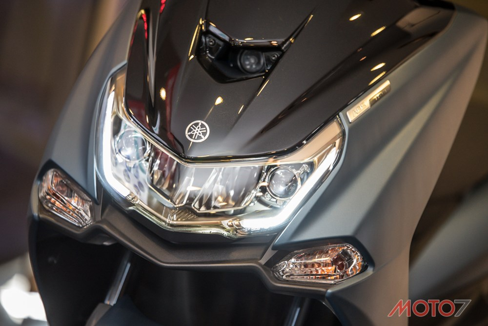 Headlamp Yamaha SMAX 155 ABS LED Taiwan 01 P7