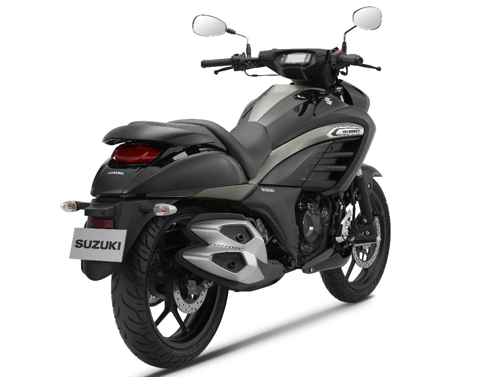 Suzuki Intruder 150 India Studio 2 p7