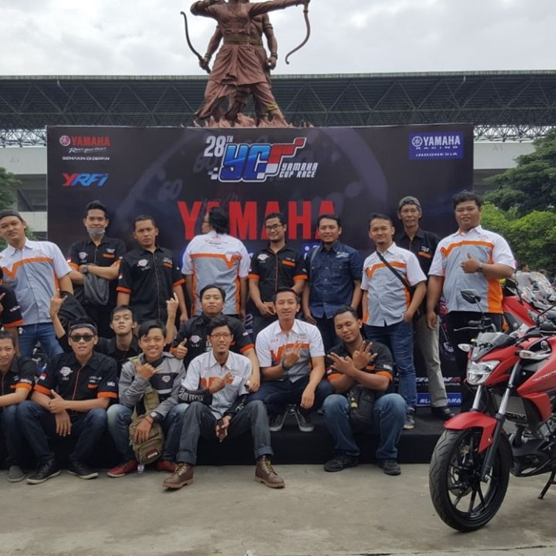 Yamaha Vixion Club Indonesia (YVCI) Solo di area stadion Manahan
