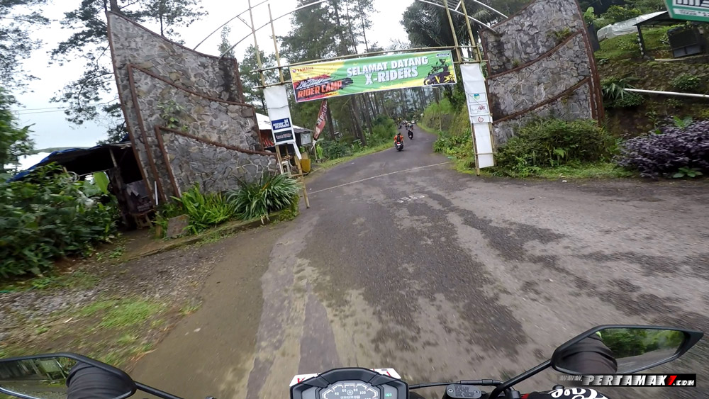 Riding Yamaha All New X-Ride 125 Rider Camp di Air Terjun Irenggolo Kediri 6 p7