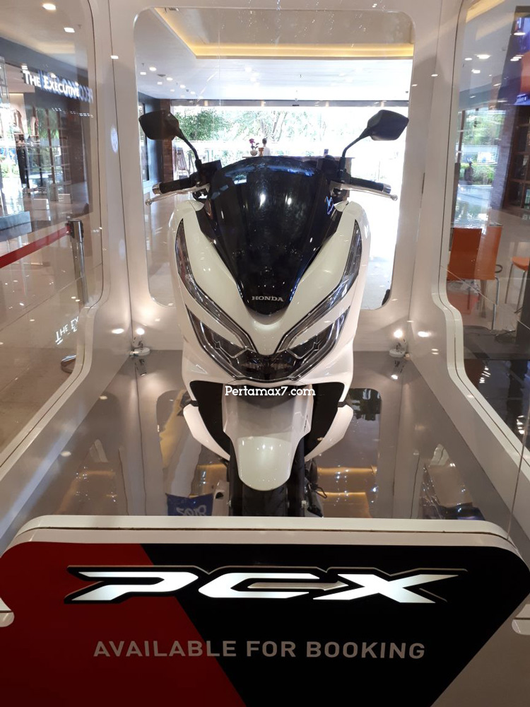 Booking Honda PCX 150 Lokal Indonesia