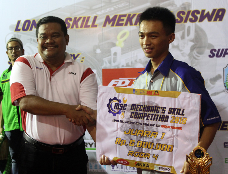 Juara 1 Mechanic's Skill Competition Roda 4 ITS 2018