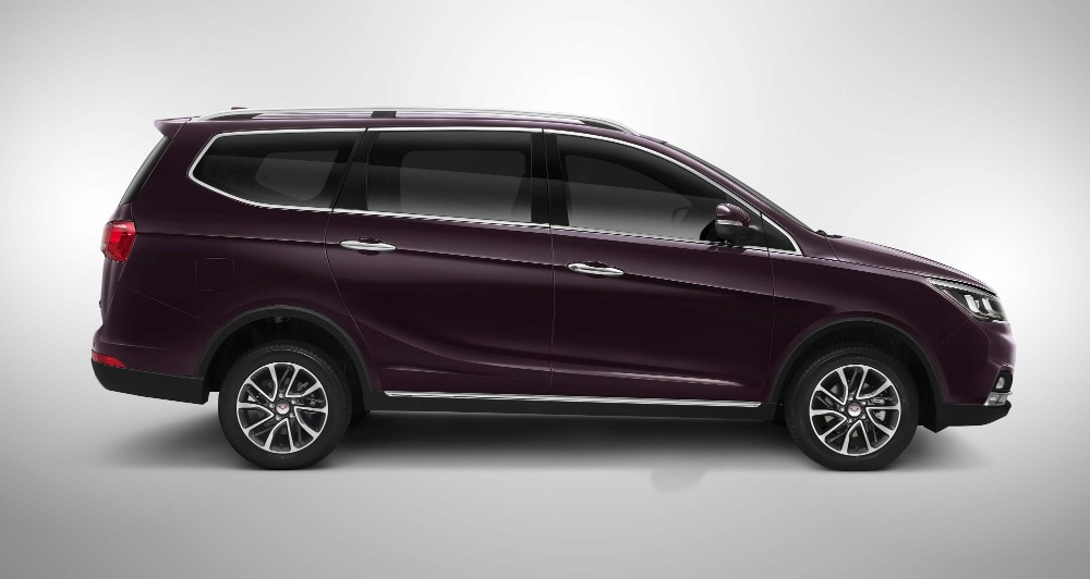 Right side Wuling Cortez Indonesia p7