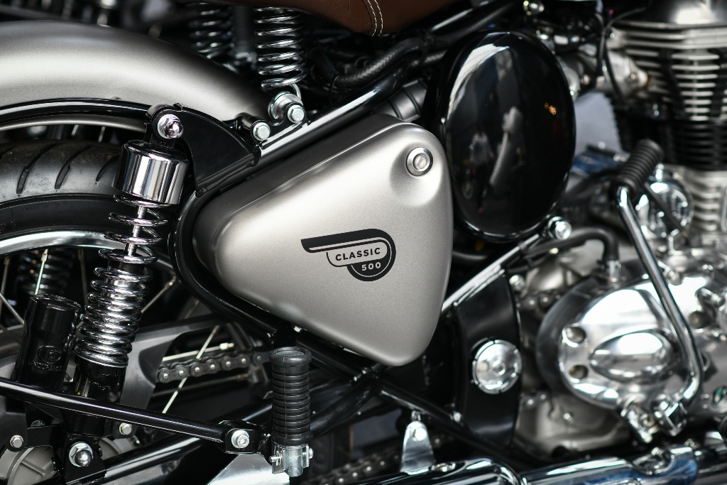 Royal Enfield Classic 350 warna Gunmetal Grey