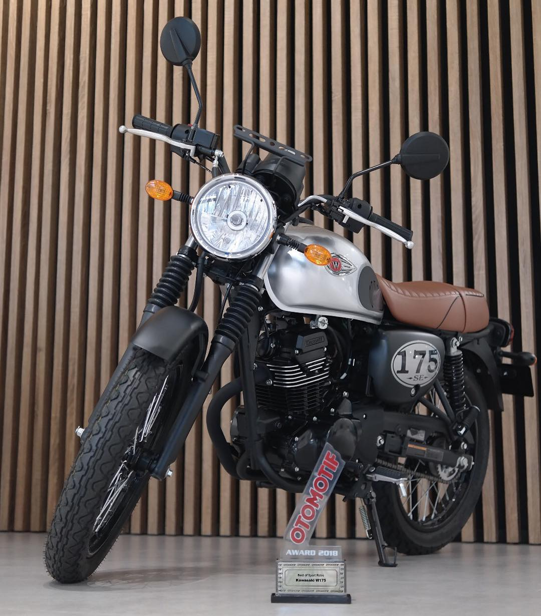 Kawasaki W175 Raih Best of Retro Sport Otomotif Award 2018