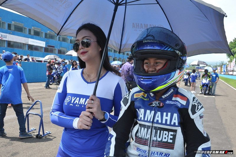 Aldi Satya Mahendra Bocah 11 tahun Juara All New R15 Idemitsu Junior Pro Yamaha Sunday Race 2018