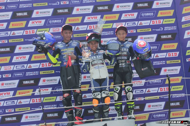 Podium Juara All New R15 Idemitsu Junior Pro