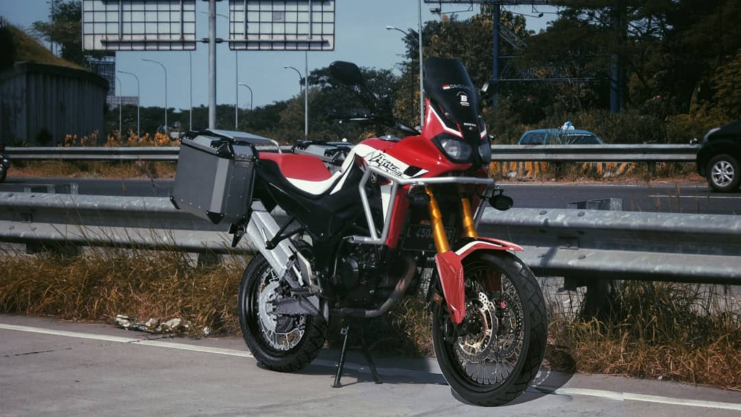 Digital Mods Honda CB150R ala Africa Twin P7