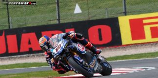 Van der Mark Yamaha YZF-R1 Juara Race 1 WSBK Donington Park UK 2018 03