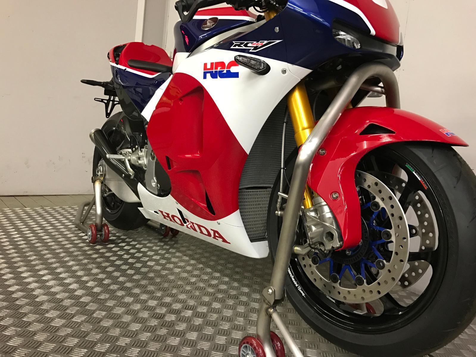 Honda RC213V-S Second Hand With Race Kit 004 p7