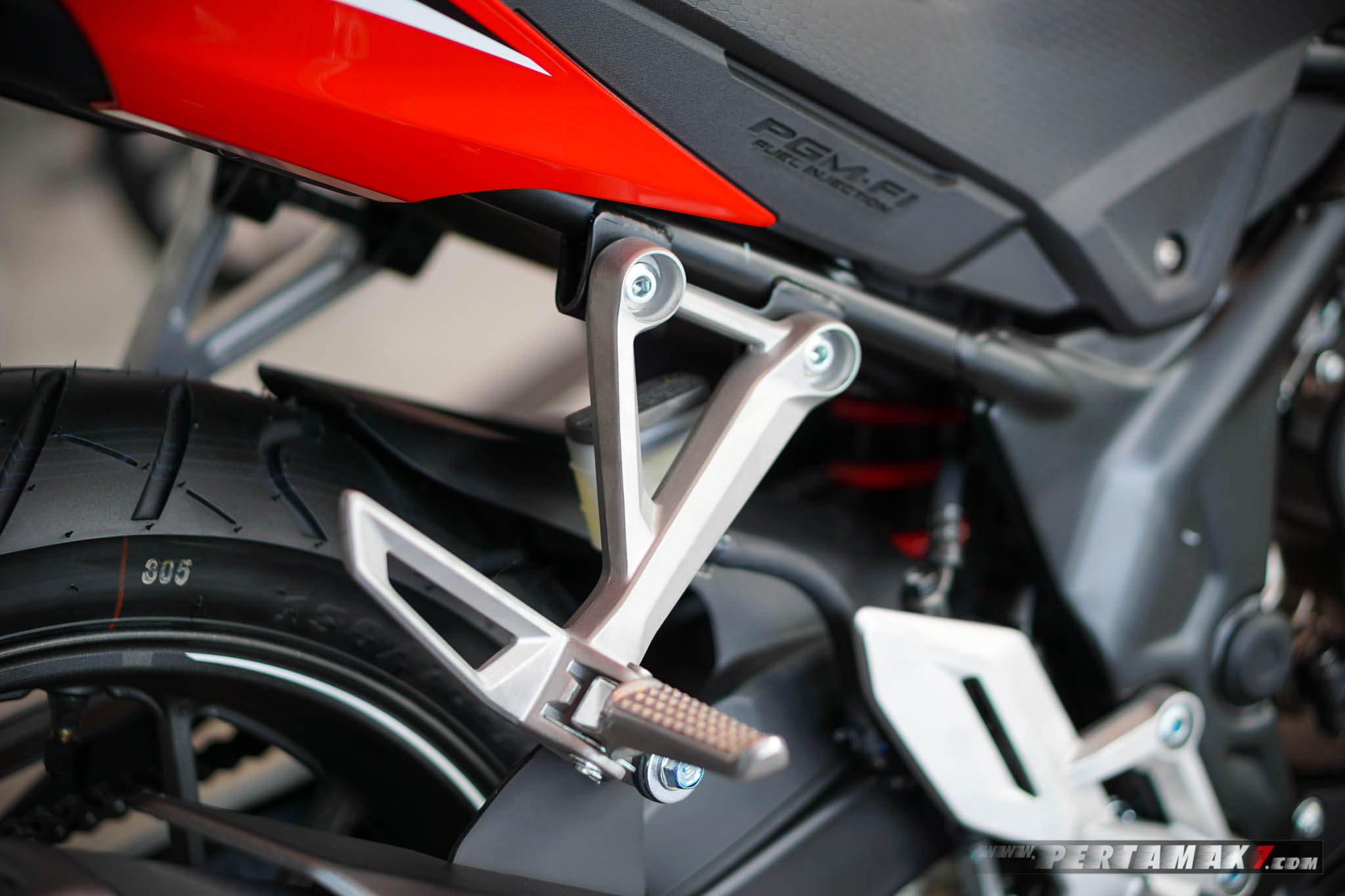 Footpeg Boncenger Honda CB150R Refresh 2018