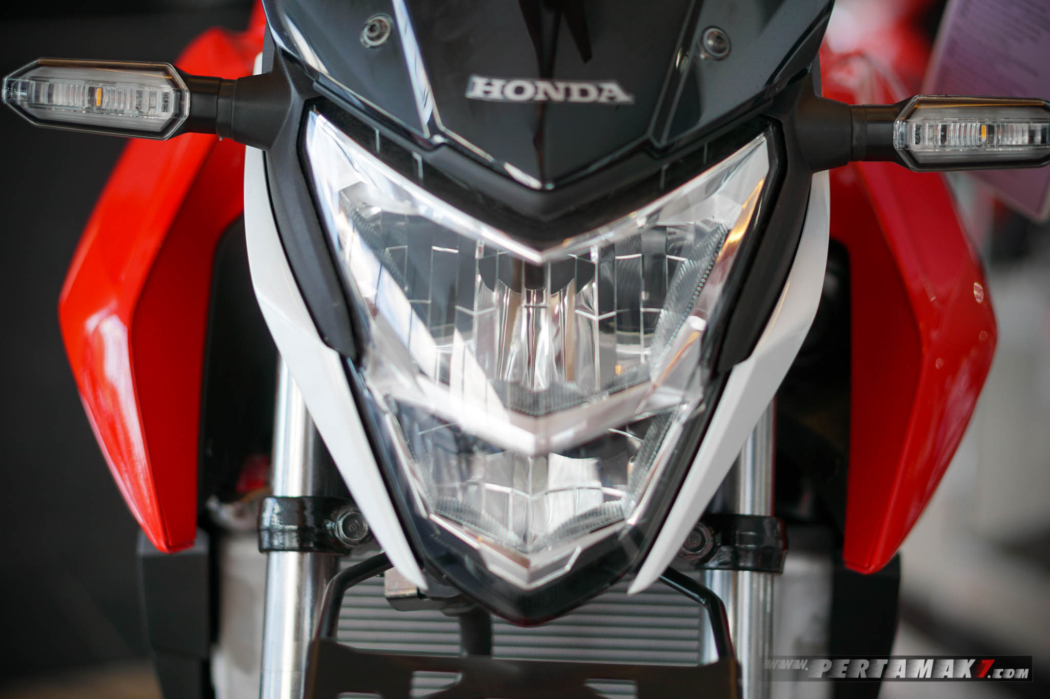 Headlamp Sein Honda CB150R Refresh 2018