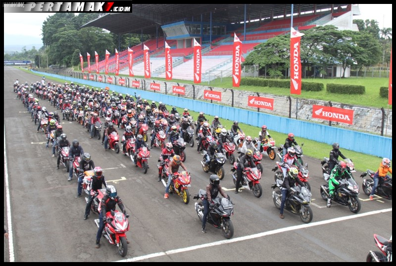 Indonesia CBR Race Day 2018 001 P7