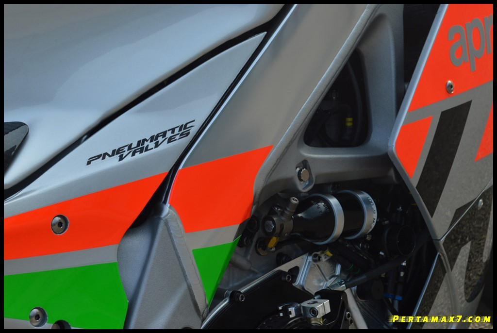 Pneumatic Valve Timing Aprilia RSV4 FW-GP P7