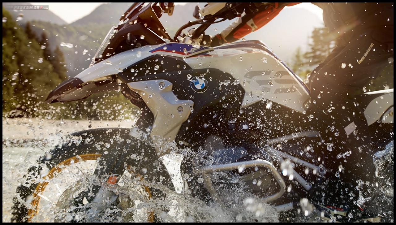 Water Splash  BMW R1250GS