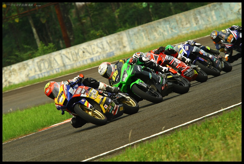 Battle Rafid Topan Sucipto, Race 1 AP250