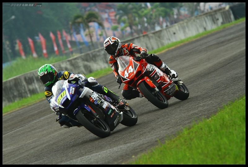 Faeroz Fight Dengan Muklada, AP250 Race 1