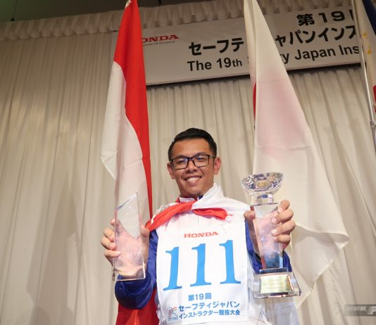Ibnu Fachrizal Instruktur Indonesia Juara The 19th Safety Japan Instructors Honda CB400SF 2018