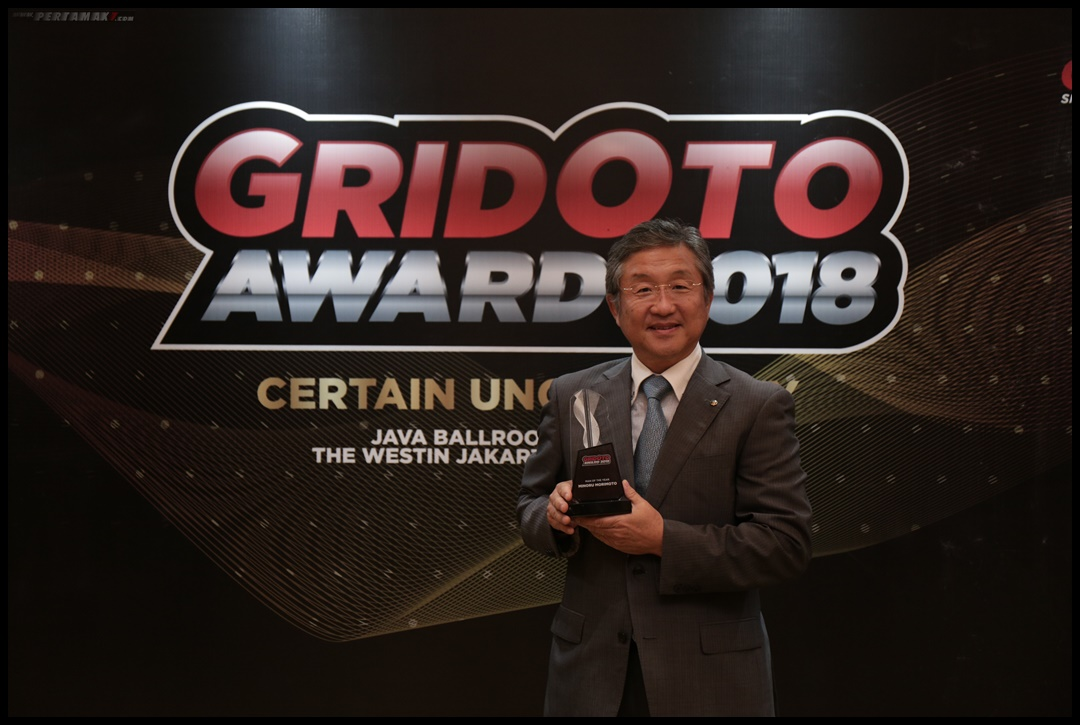 President Director PT YIMM Minoru Morimoto Raih Penghargaan Man of The Year (GridOto Award 2018)