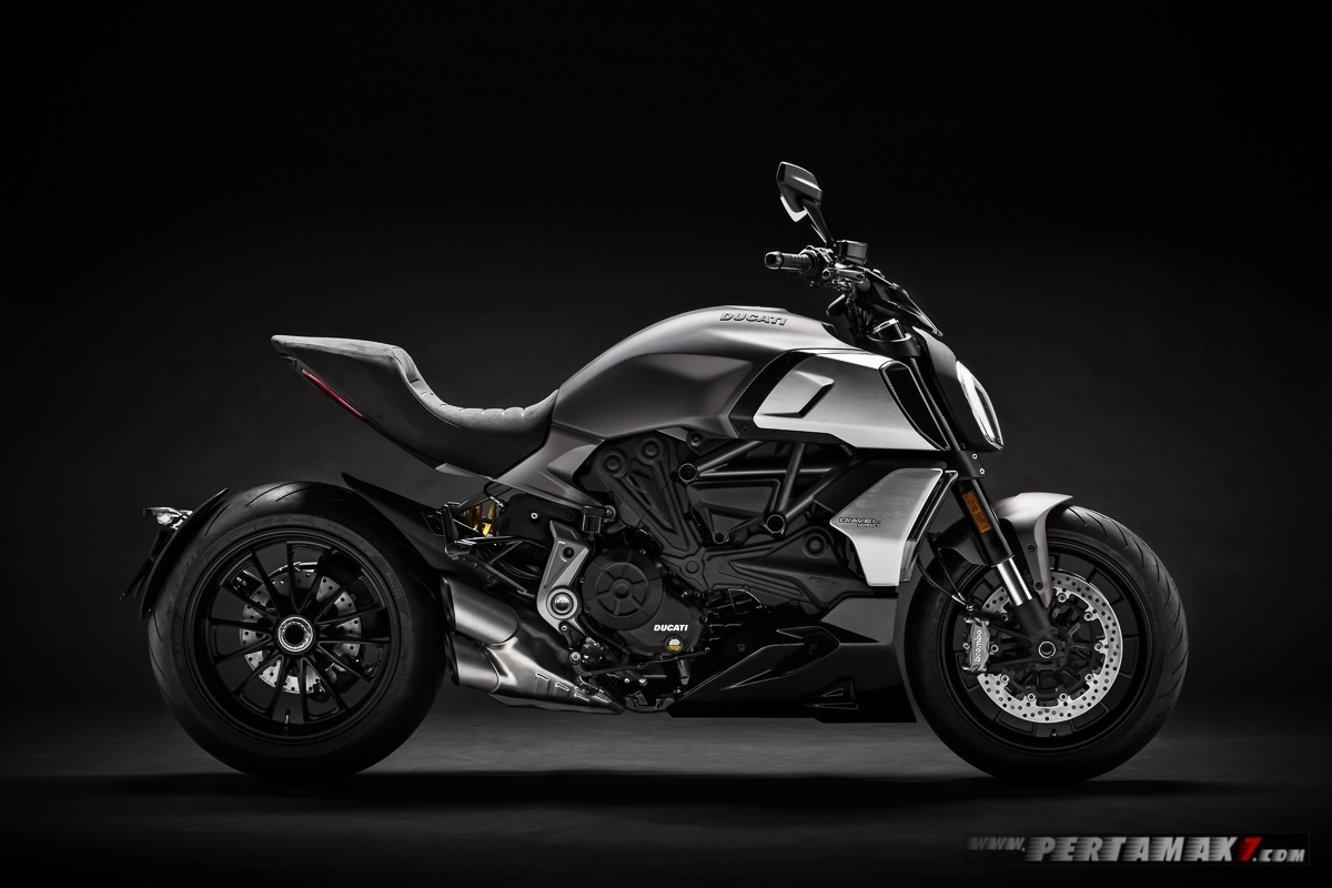 Diavel 1260 Ducati MY 2019 01 P7