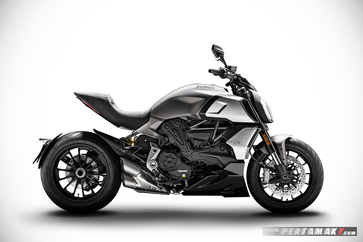 Diavel 1260 Ducati MY 2019 03 P7