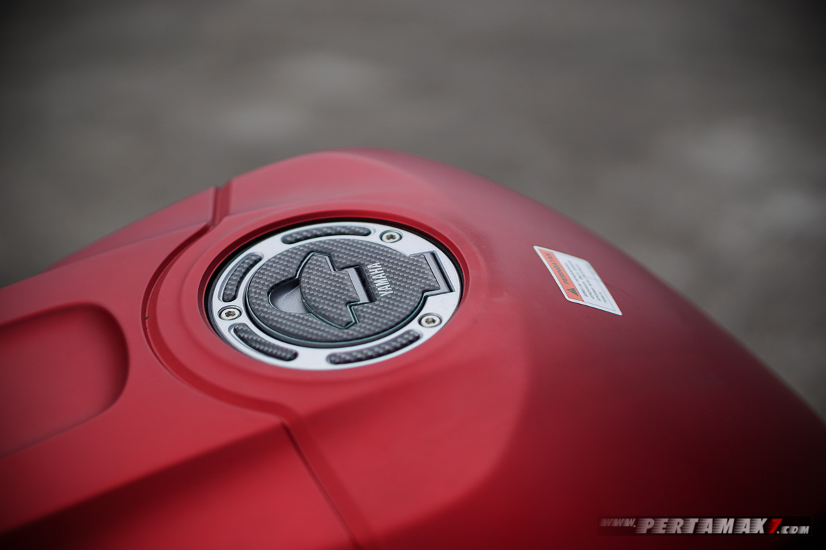 Fuel Cap Sticker Yamaha New R25 P7