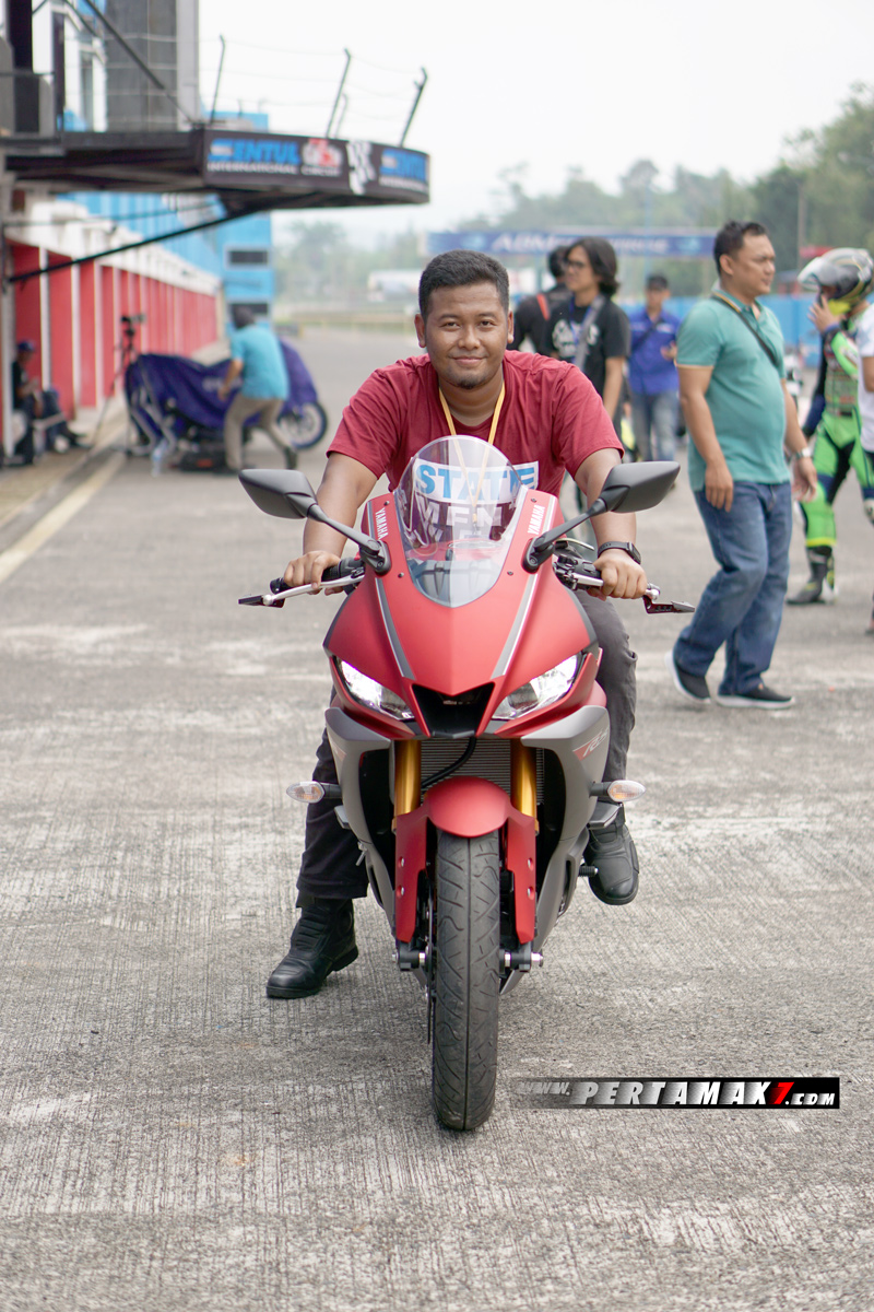 Review Yamaha New R25 Facelift 2019 Sentul