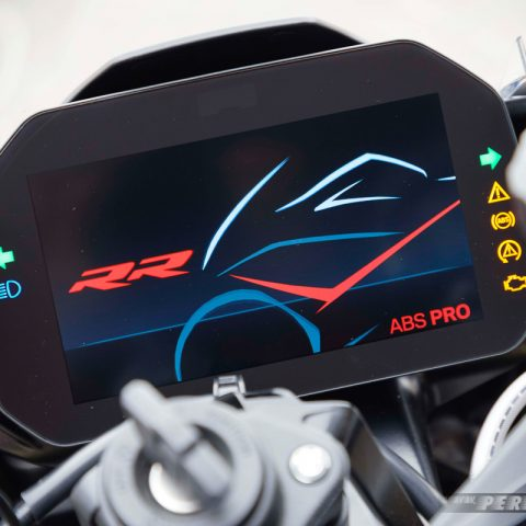 Speedometer On BMW S1000RR MY 2019 008 P7