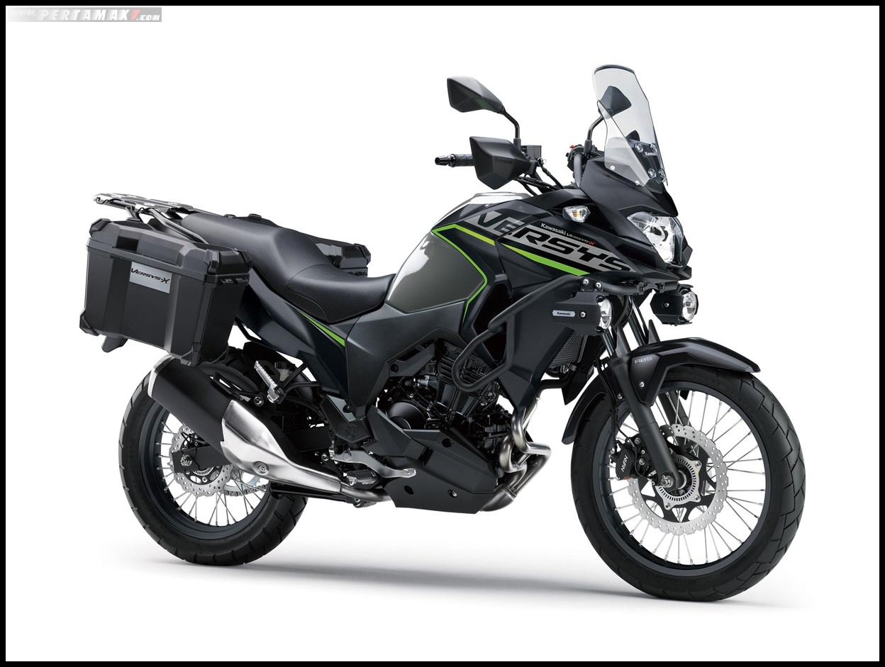 2019 Kawasaki versys X 250 Tourer Warna Metallic Moon Dust Gray × Metallic Flat Spark Black