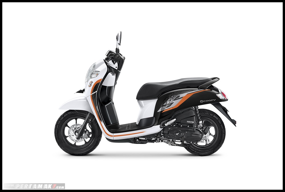 HOnda SCOOPY 2019_SPORTY WHITE